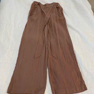 Wide leg, flowy Aritzia (Wilfred) pants.